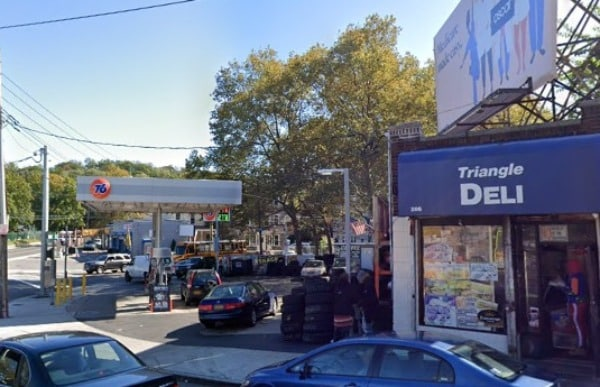 Yonkers, NY - One Dead Following Shooting at Triangle Deli